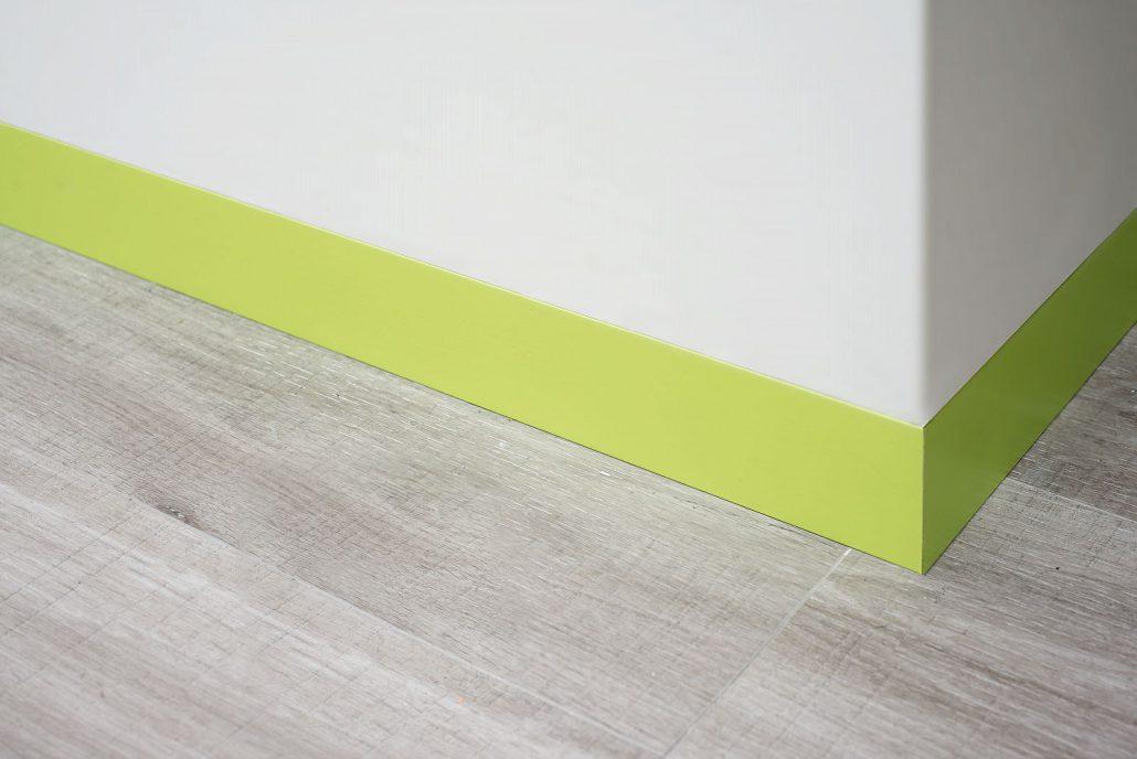 barevná podlahová lišta