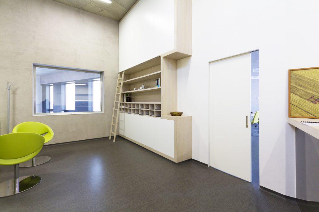 Stavební bezobložkové pouzdro pro posuvné dveře