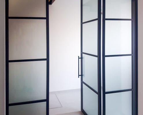 hliníková dělící stěna