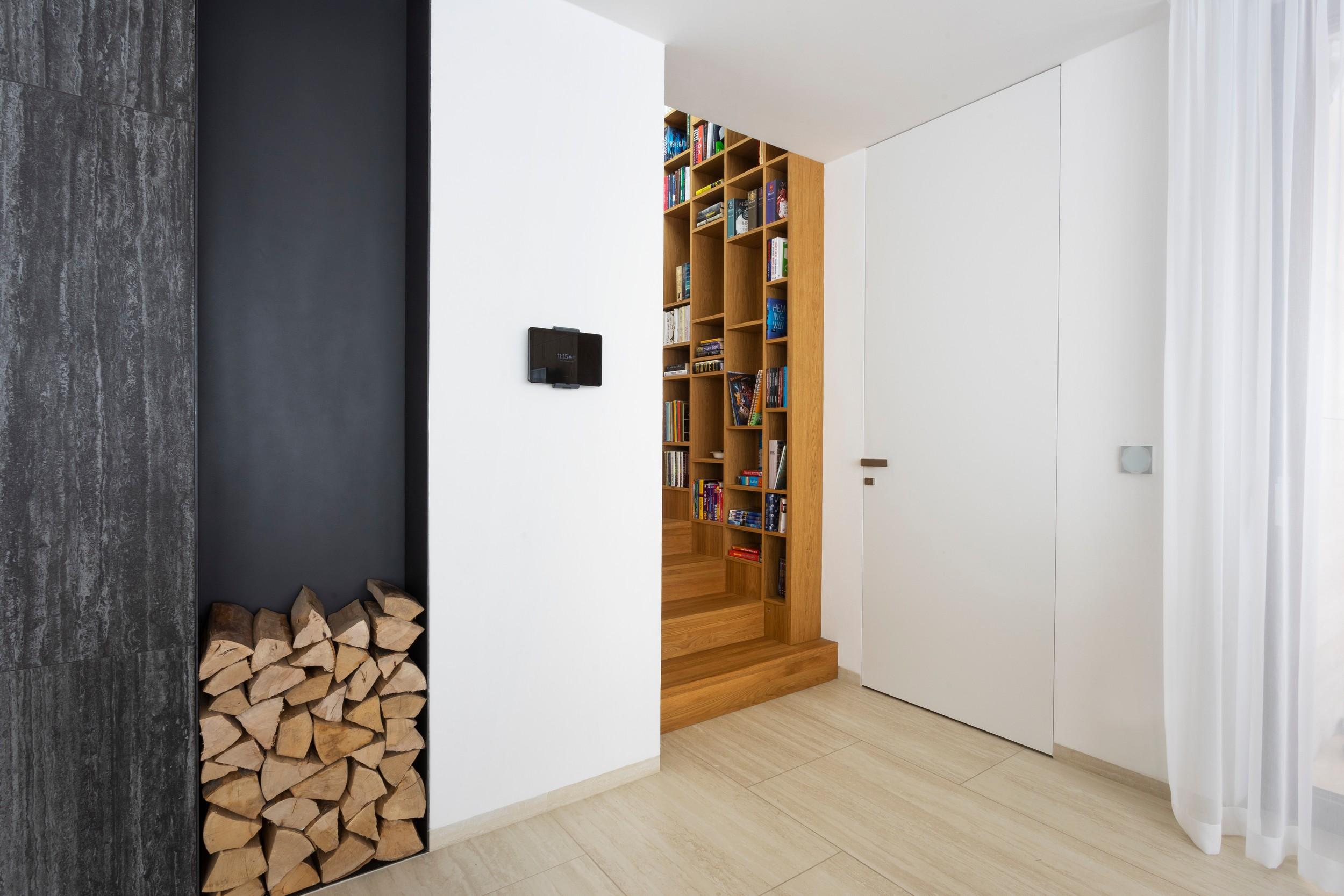 Skryté zárubně bez horního nadpraží - dveře po strop